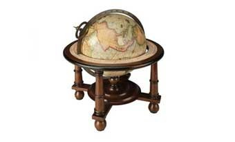 Globes decor world maps